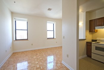 176 Avon Avenue 1-3 Beds Apartment for Rent Photo Gallery 1