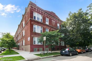 2645-47 N. Fairfield Ave. 2-3 Beds Apartment for Rent Photo Gallery 1