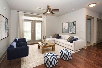 2512 Weddington Ave 1 Bed Apartment for Rent Photo Gallery 1