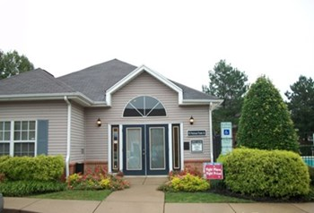 195 Piedmont Pointe Drive 2-4 Beds Apartment for Rent Photo Gallery 1