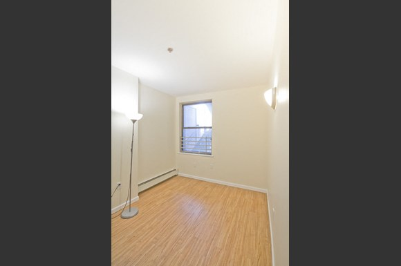 La Plaza Apartments Newark Nj