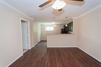 1222 Heights Blvd 1 Bed Apartment for Rent Photo Gallery 1