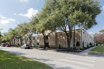 835 Heights Blvd 1-2 Beds Apartment for Rent Photo Gallery 1