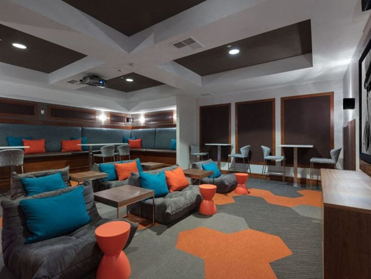 co-work lounge
