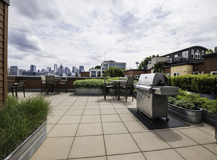 apartment resident rooftop lounge
