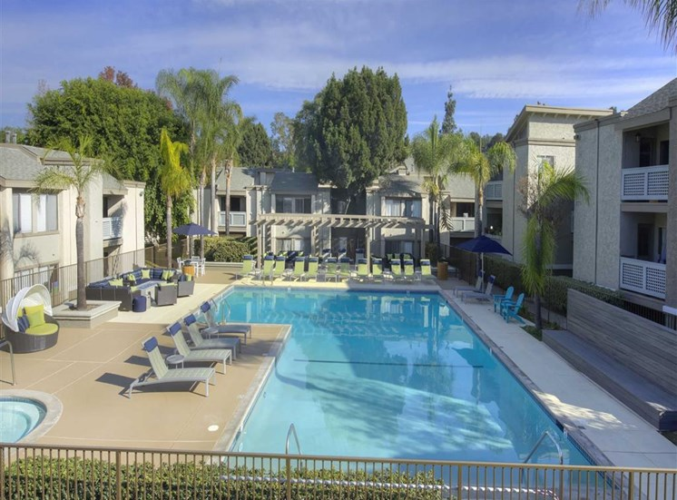 Pool Cabana & Outdoor Entertainment Bar at The Verandas Apartments, 200 N. Grand Avenue, CA