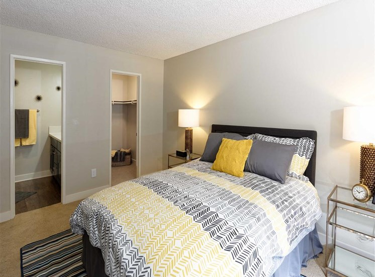 Spacious Bedrooms with en Suite Bathrooms at The Verandas Apartments, California, 91791