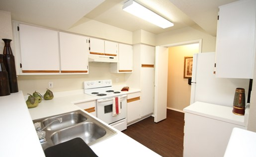 All Electric Kitchen at The Bradford Apartments, Webster, TX,77598