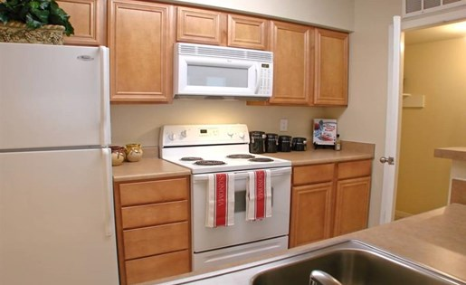 Fully equipped kitchen at The Bradford Apartments, Webster, TX,77598
