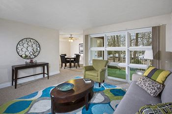 1668 Carlyle Drive 2 Beds Apartment for Rent Photo Gallery 1