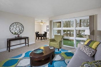 1668 Carlyle Drive 3 Beds Apartment for Rent Photo Gallery 1