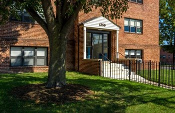 1319 Merrimac Drive 1-2 Beds Apartment for Rent Photo Gallery 1