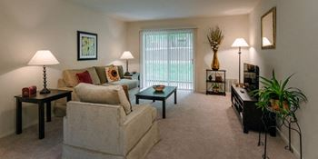 1511 Monroe Drive 2 Beds Apartment for Rent Photo Gallery 1