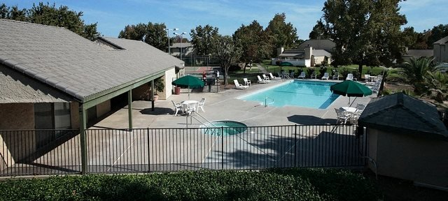 Coventry Oaks Apartments