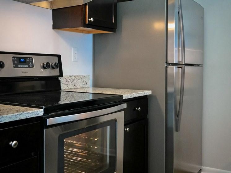 Efficient Appliances In Kitchen at Gramercy on Garfield, Cincinnati, 45202