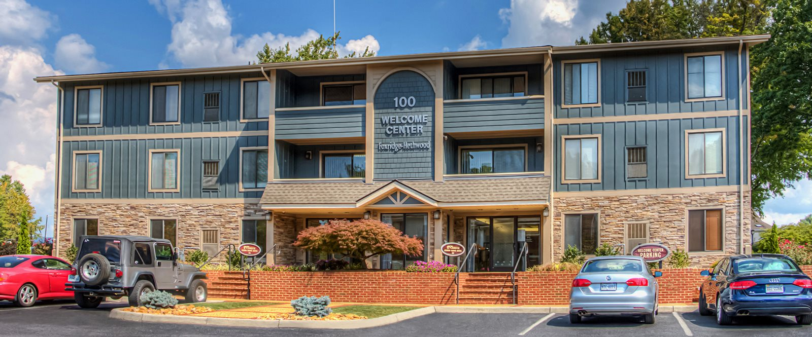 Front View Of Property at Foxridge Apartment Homes by HHHunt, Blacksburg, 24060