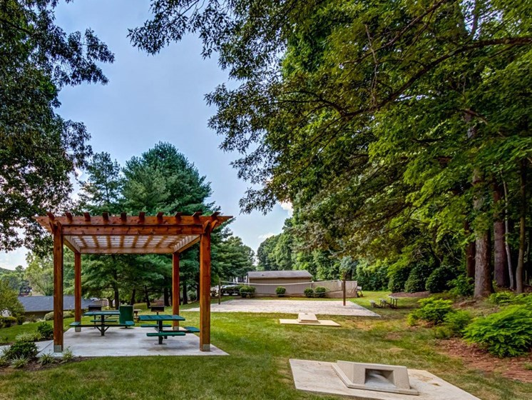 Palatial Pergola In Garden at Walden Pond Apartment Homes, Lynchburg, Virginia