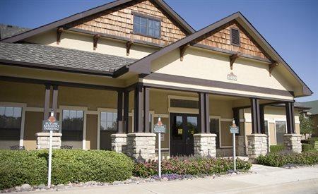 Primrose at Sequoia Park - Active Senior Living homepagegallery 1