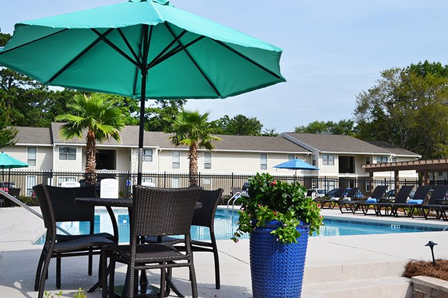 Poolside Relaxing Area at Sterling Bluff Apartments, Savannah, GA,31406