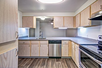 201 Mt. Park Blvd., SW 2-3 Beds Apartment for Rent Photo Gallery 1