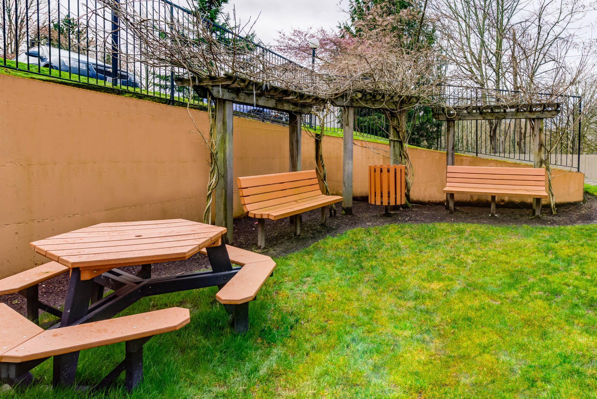Picnic and BBQ Area at Westview Village, Renton, WA,98055