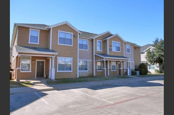 Rosemont At Meadow Lane Apartments 4722 Meadow Street Dallas Tx Rentcaf