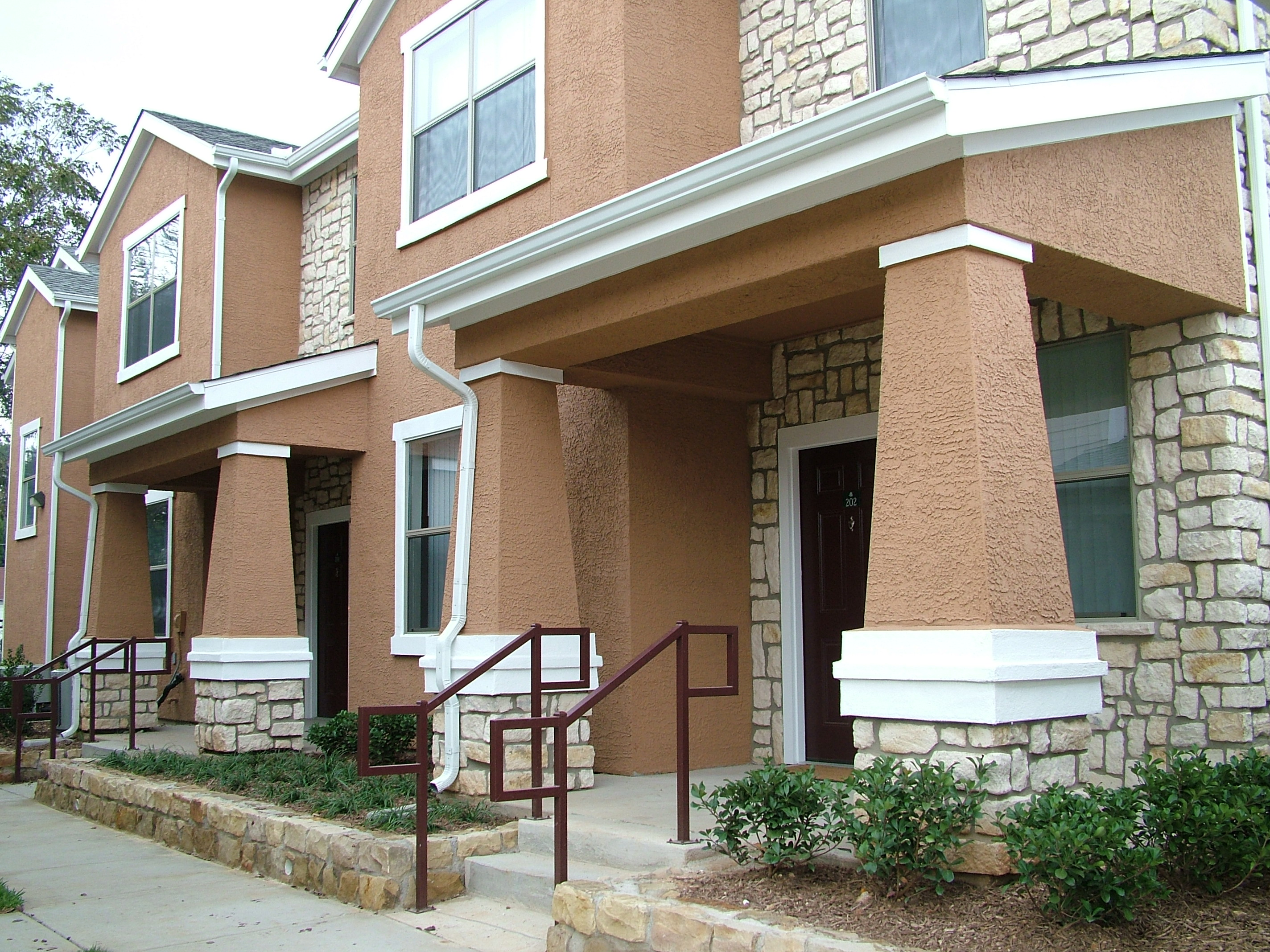 Great Rosemont At Meadow Lane   Affordable Apartments Dallas Texas