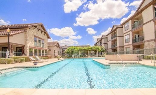 Resort Style Swimming Pool at Primrose of Pasadena - Active Senior Living, Pasadena, 77503