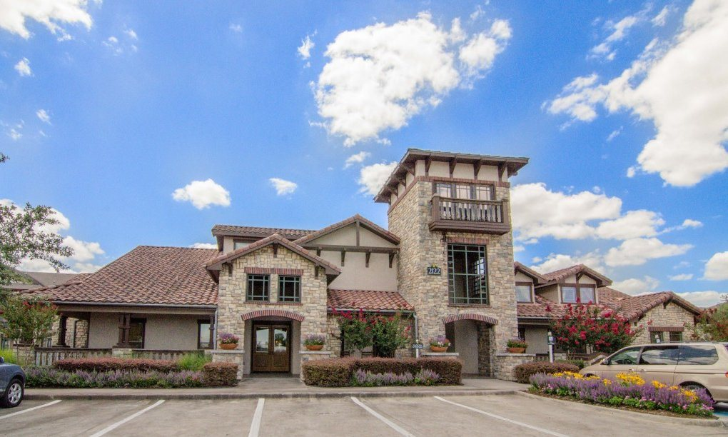 Beautiful Surrounding at Primrose of Pasadena - Active Senior Living, Texas