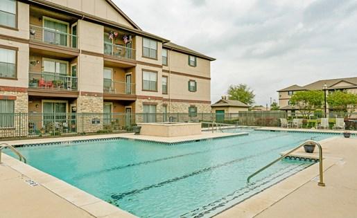 Poolside Cabana and Lounge at Primrose of Pasadena - Active Senior Living, Pasadena, Texas