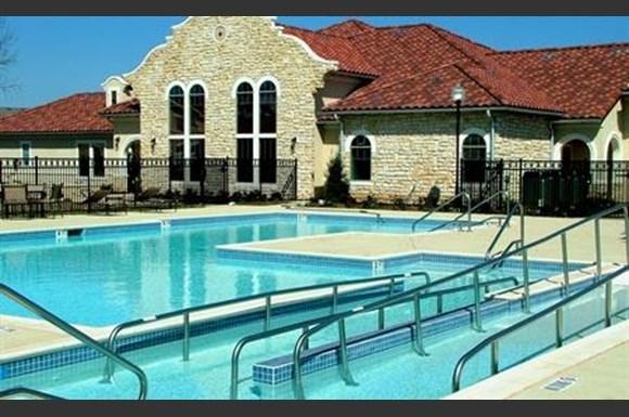 Primrose At Mission Hills Apartments San Antonio