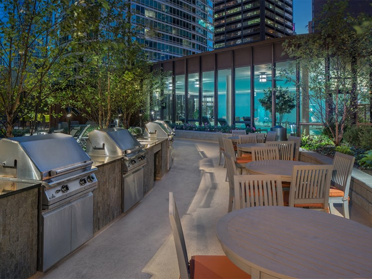 grill stations and outdoor dining at McClurg Court