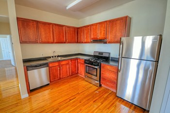 307 Washington Street 1-3 Beds Apartment for Rent Photo Gallery 1