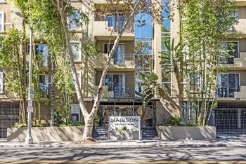 627 North Rossmore Studio-2 Beds Apartment for Rent Photo Gallery 1