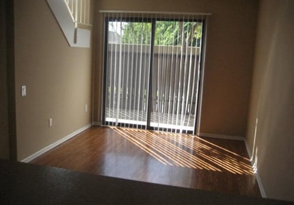 Wall to Wall Carpeting at Springhill Townhomes, Claremont, CA,91711