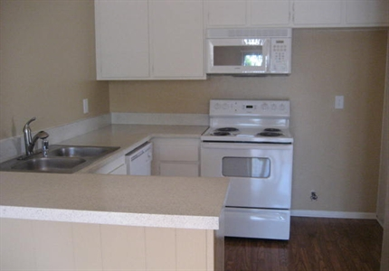 All Electric Kitchen at Springhill Townhomes, Claremont, CA,91711