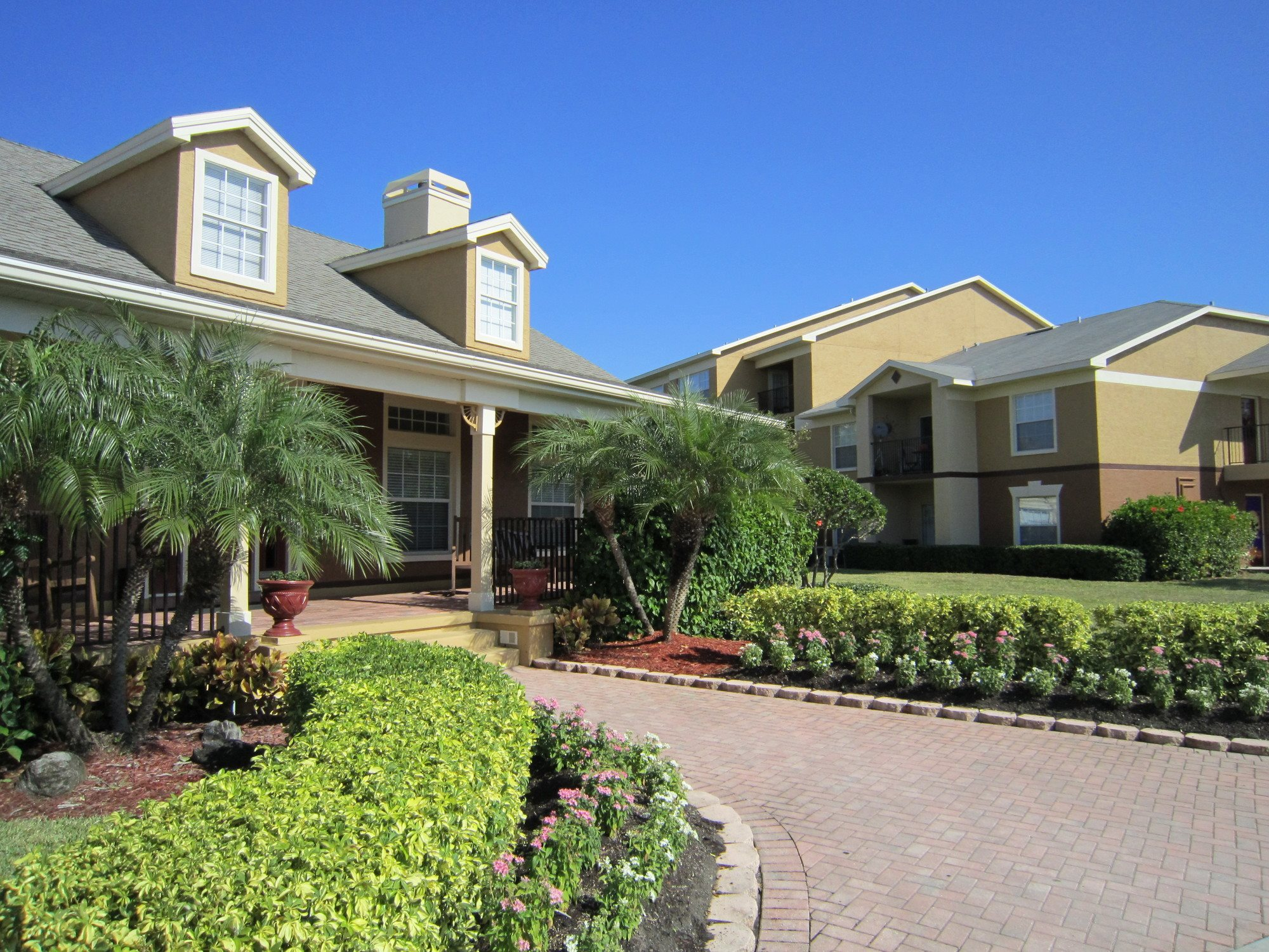 pet-friendly-apartments-Pinellas-Park-FL