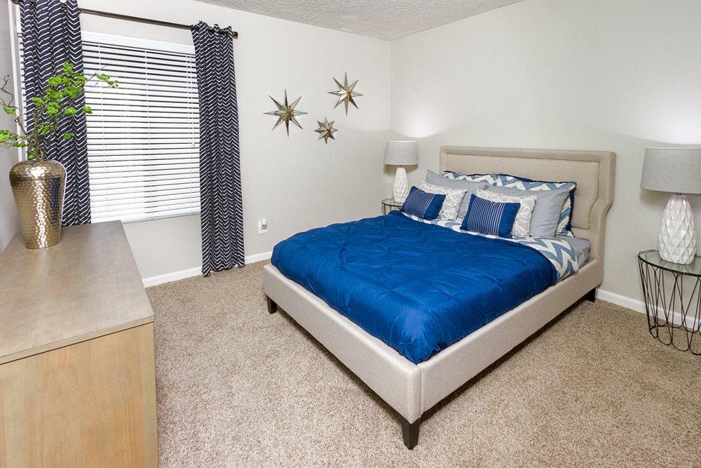 Downey, CA Apartments - Park Regency Club Bedroom
