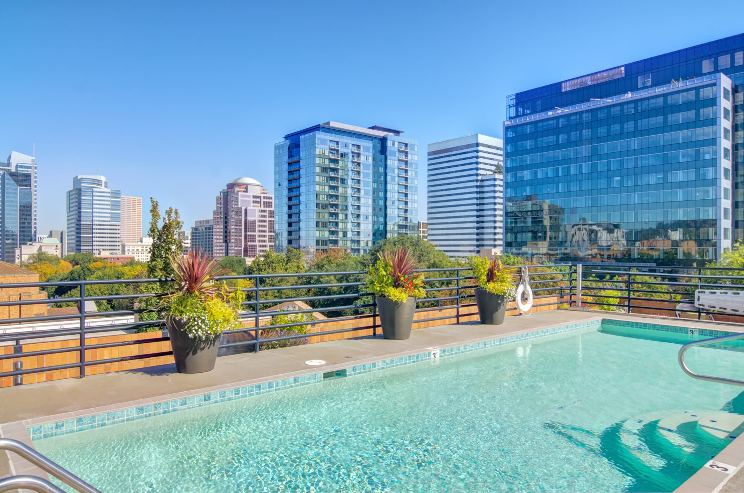 Sensational Apartments In Downtown Portland Or Southpark Square Home Interior And Landscaping Ologienasavecom