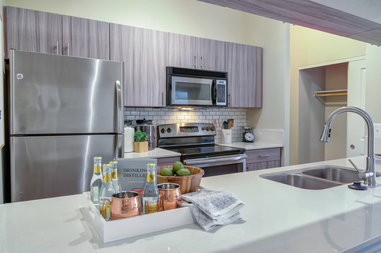Downtown Portland OR Apartments for Rent - Southpark Square Newly Renovated Kitchen with Stylish Backsplash