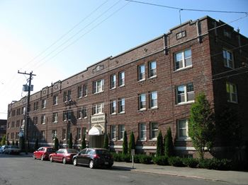 604 & 614 E. Union Street Studio-1 Bed Apartment for Rent Photo Gallery 1