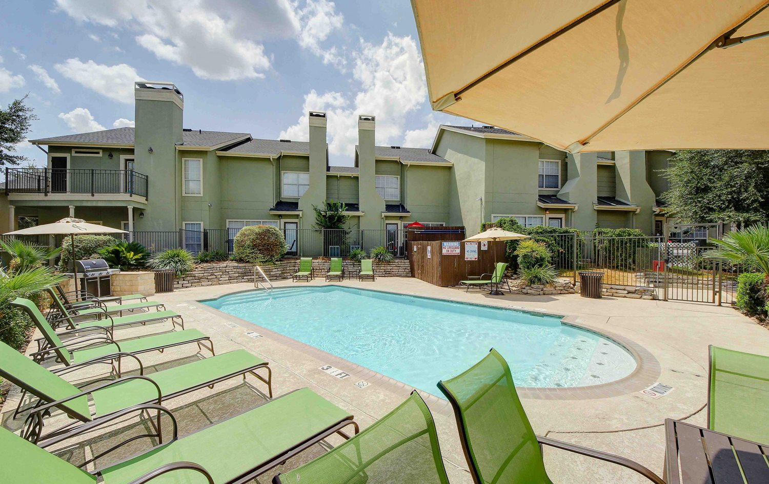 Castle Hills Townhomes Apartments In San Antonio Tx