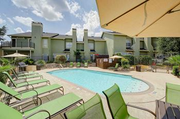 1947 Larkspur Drive 1-3 Beds Apartment for Rent Photo Gallery 1