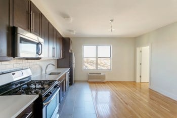 366 Westside Ave Studio-2 Beds Apartment for Rent Photo Gallery 1