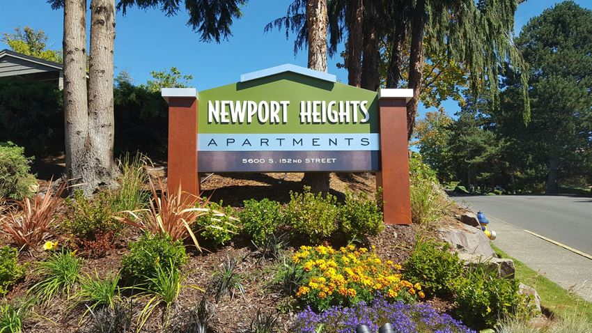 Newport Heights Monument Sign