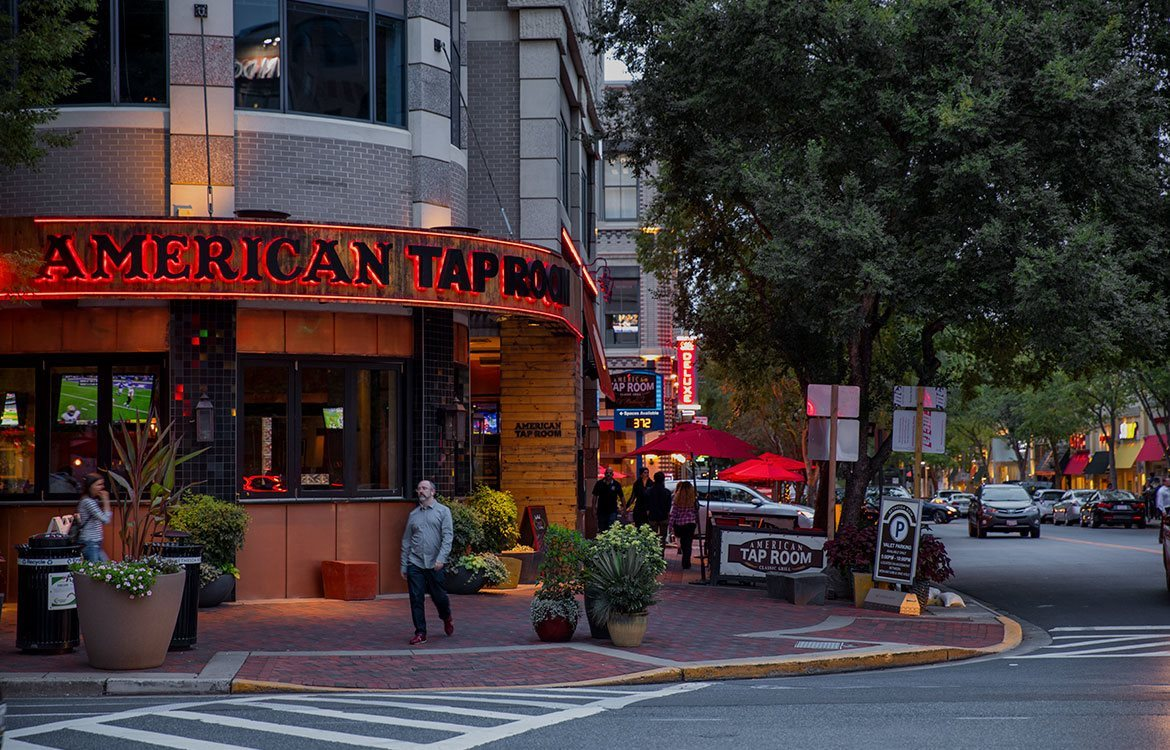 The Metropolitan is close to dining and entertainment at American Taproom in Maryland.