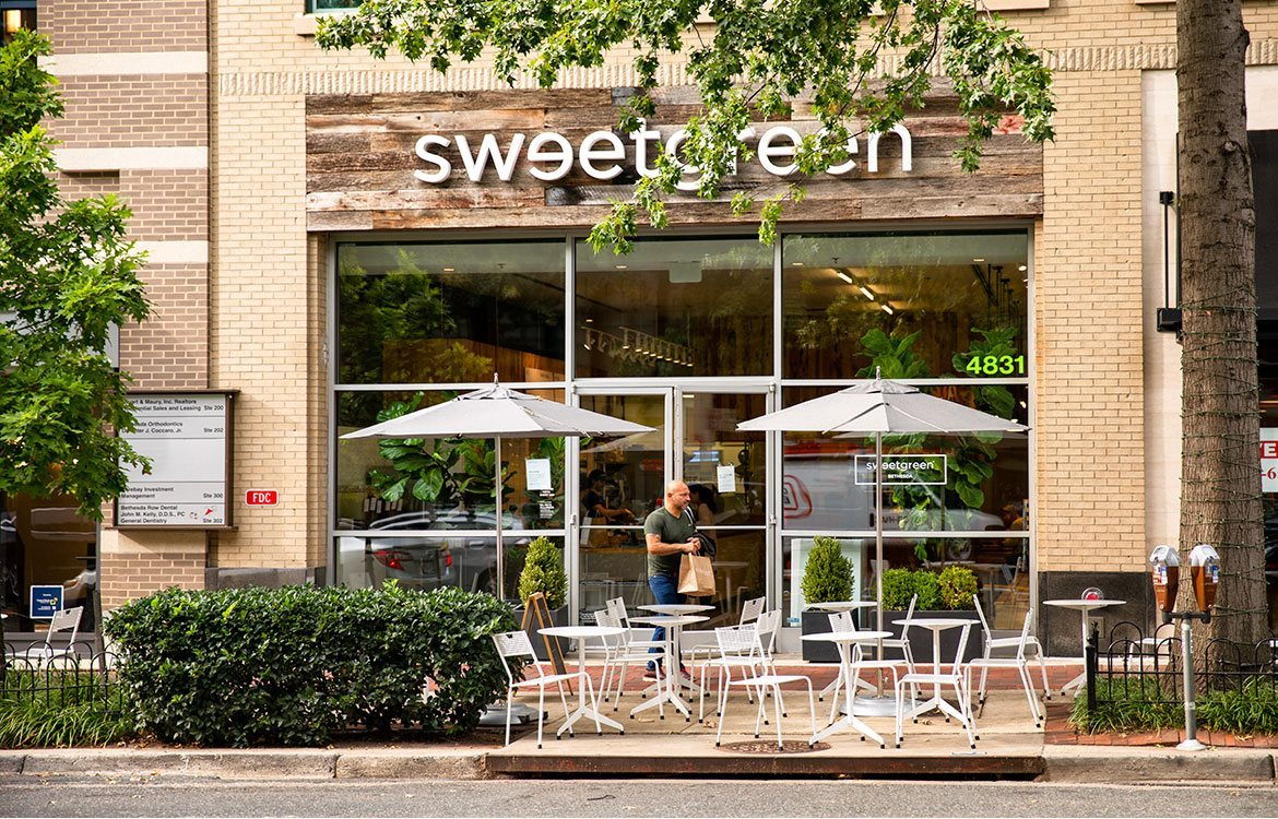 The Metropolitan in MD is nearby Sweetgreen, where you can enjoy sustainable food options and local sourcing.
