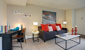 1001 South Havana St. 1-2 Beds Apartment for Rent Photo Gallery 1