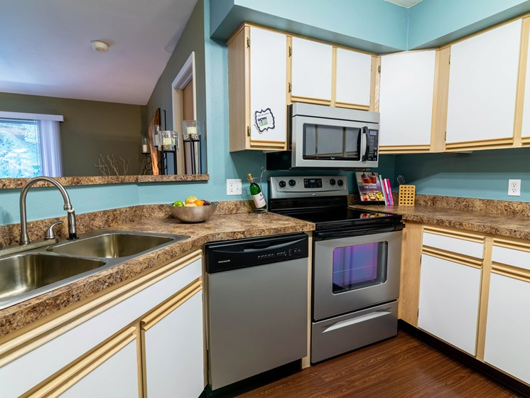Large Kitchens at Woodland Ridge Apartments in Grand Haven, MI