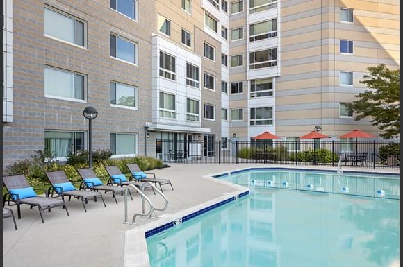 Peninsula I Apartments 401 Mount Vernon Street Boston Ma Rentcaf